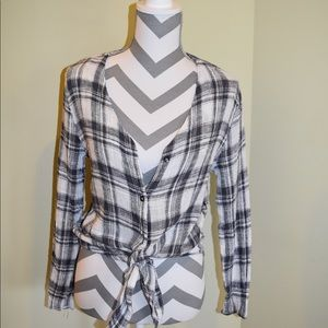 B&W top with tie on bottom
